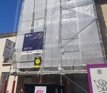 Les travaux de rénovation ont commencésur la façade de la copropriété situéeau21 rue Gabriel Péri au Pré Saint-Gervais. Photo Est Ensemble / Direction de l'habitat et du renouvellement urbain.