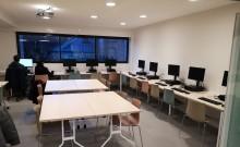 Les 9 nouveaux postes informatique en accès libres installés à la bibliothèque du Pré Saint-Gervais cet hiver. Photo © Communication / Est Ensemble.