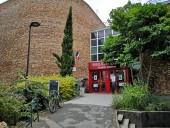 La bibliothèque Robert Desnos à Montreuil. Photo Est Ensemble / Direction de la communication