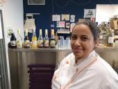 Grâce au fonds pour l'économie des quartiers d'Est Ensemble, Aziza Gonon va pouvoir bénéficier de 10 000 € pour ouvrir une activité de pâtisseries bio à Bagnolet. Photo Est Ensemble / Direction de la commmunication