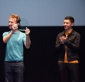 """Mathias Théry recevant le grand prix Repérages 2020 pour son documentaire """"La Cravate"""". Photo Est Ensemble / Hervé Boutet"""