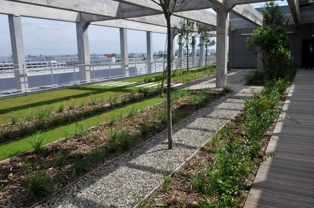 Inauguration des magasins g n raux pantin est ensemble for Magasin amenagement jardin